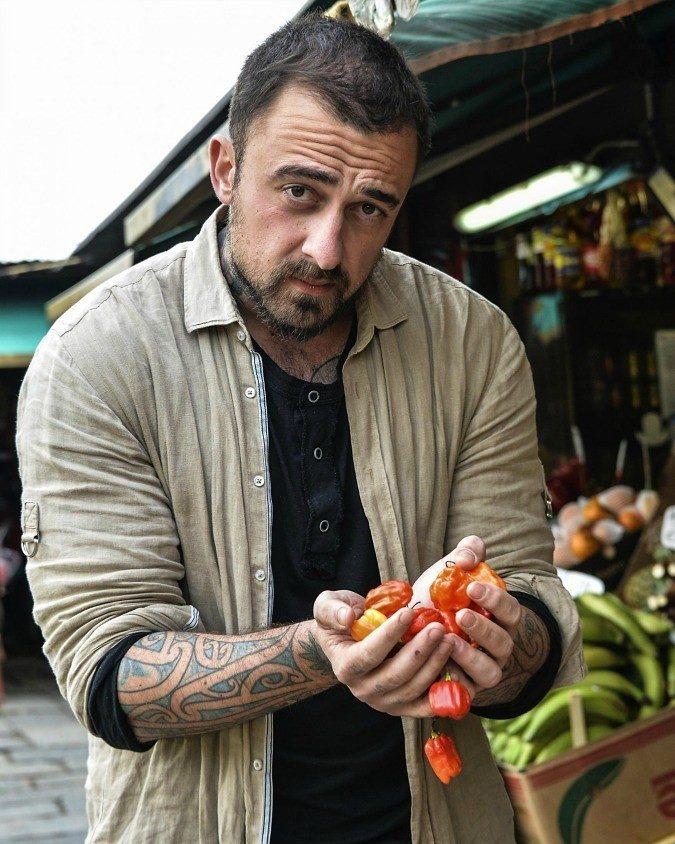 Gabriele Rubini, nel corso degli anni conduce molti programmi tv sulla cucina, è molto attivo socialmente
