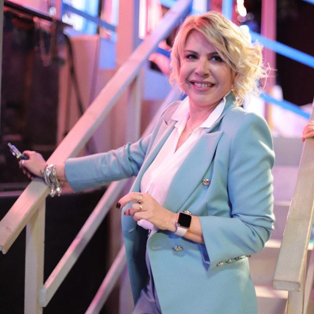 Anna Pettinelli, la sua carriera inizia con la radio fino ad arrivare a RDS
