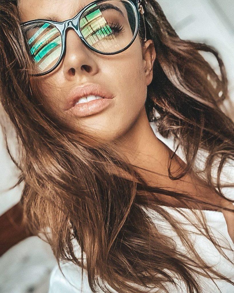 """Lucia Javorcekova, soprannomina """"Mozzarellona"""" dopo la partecipazione a gioco legato a #escile"""