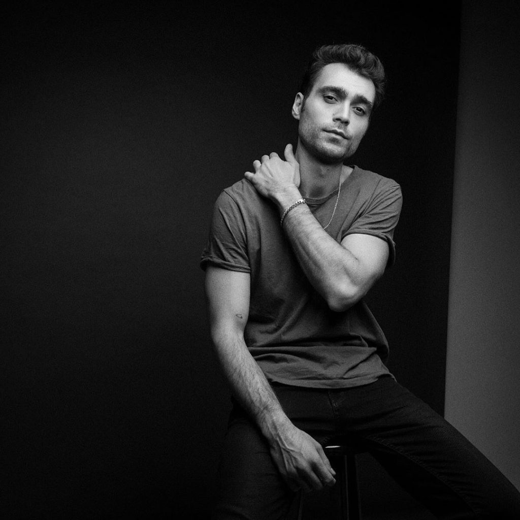 Hakan Kurtas, oltre alla carriera di attore è modello e testimonial