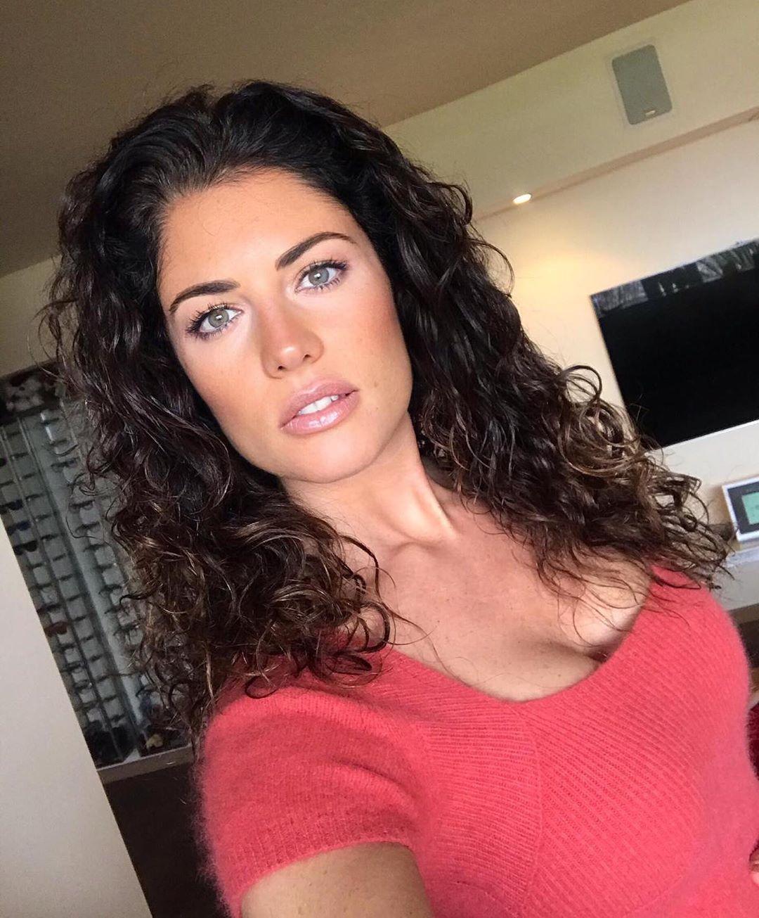 Daniela Ferolla Biografia