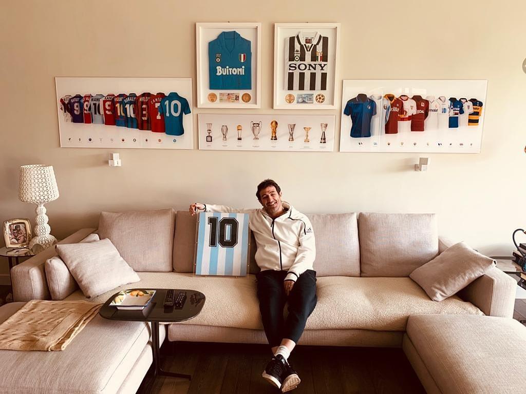 Ciro Ferrara, celebre calciatore italiano ha militato nel Napoli e nellaJuventus