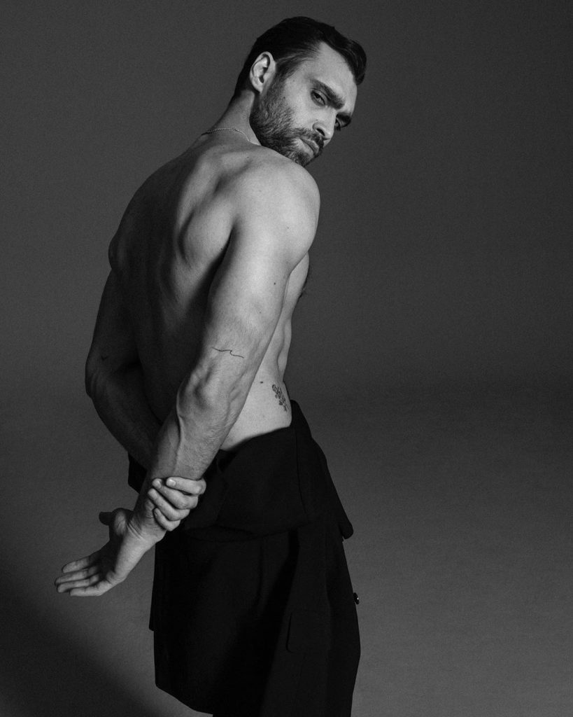 "Hakan Kurtas, attore turco noto in Italia per la parte in ""Bitter Sweet – Ingredienti d'amore"""