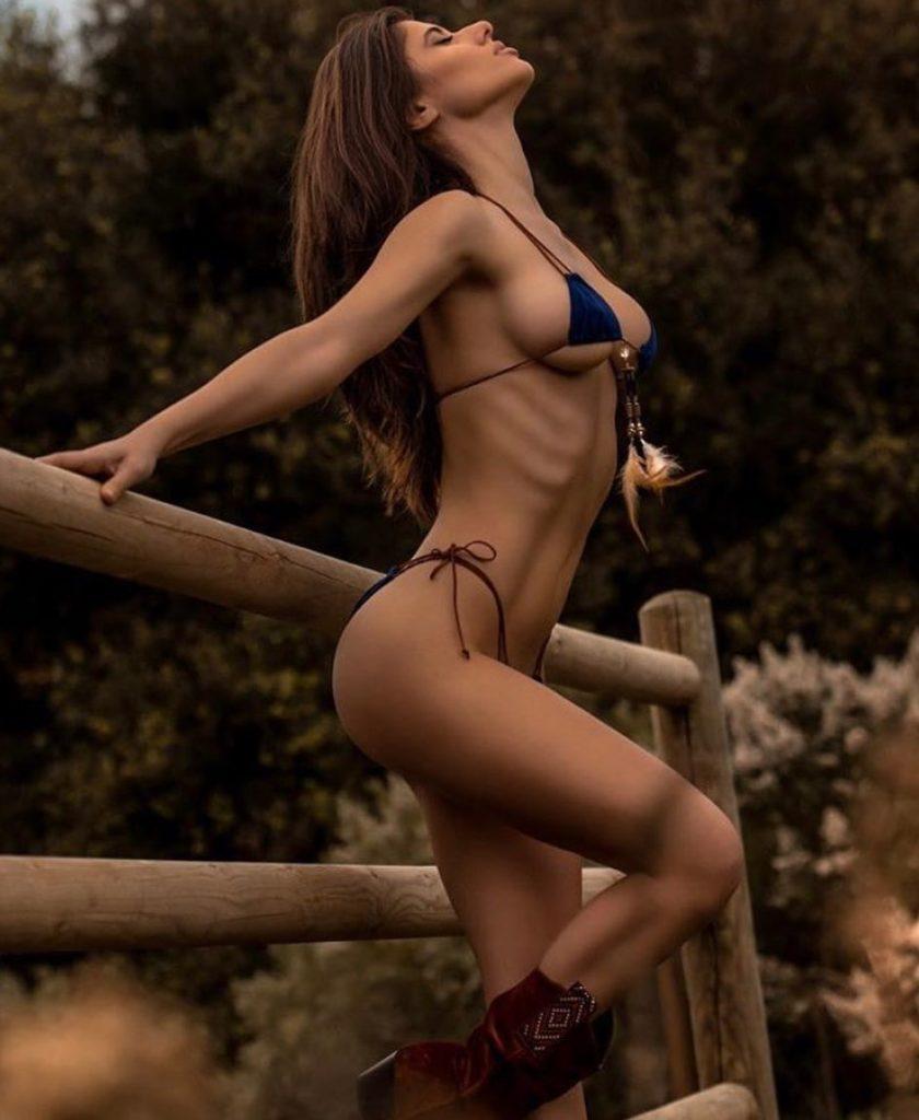 Ines Trocchia, molto conosciuta sopratutto per la sue foto nelle riveste maschili