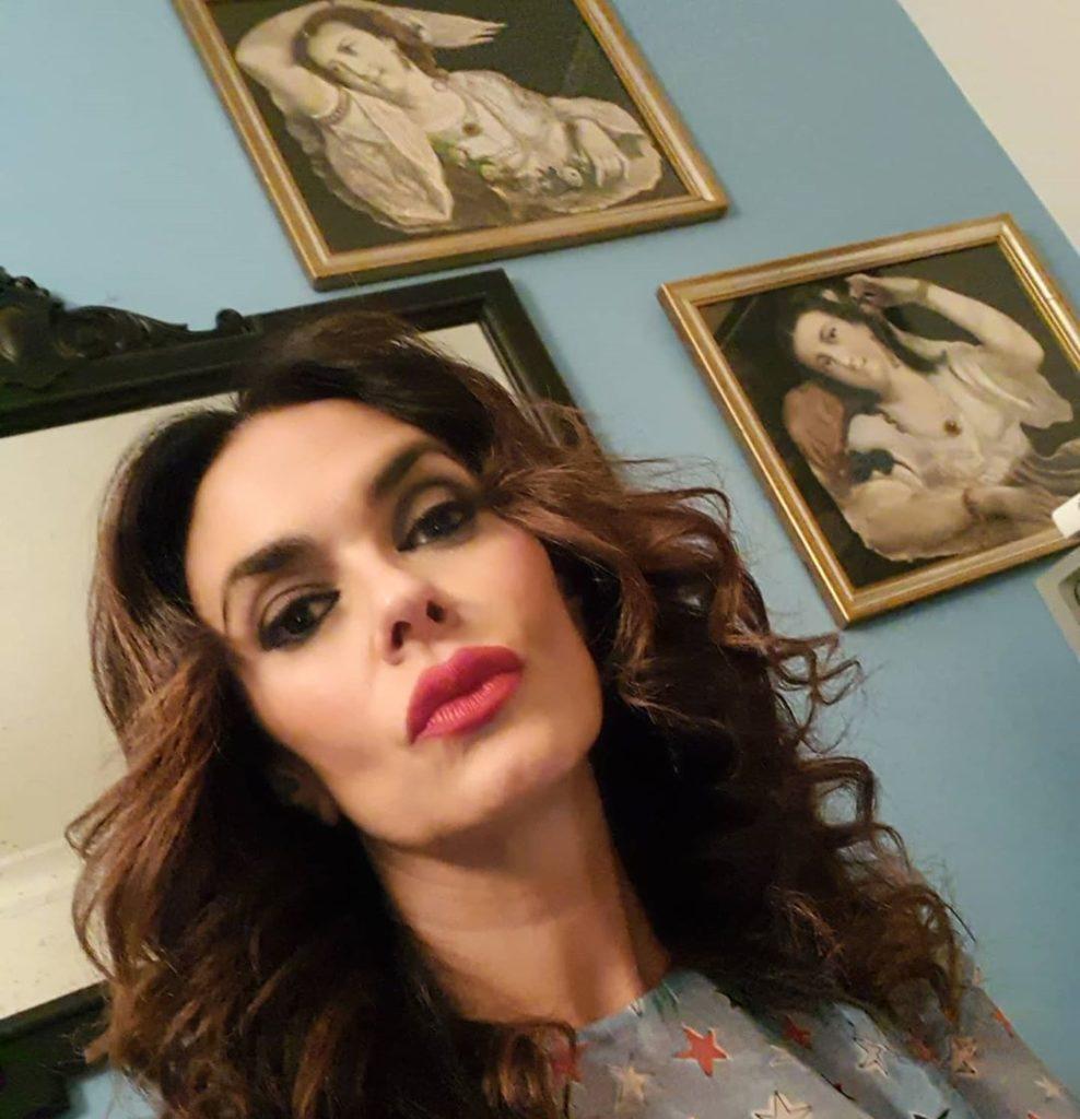 foto di Maria Grazia Cucinotta, moglie di Giulio Violati