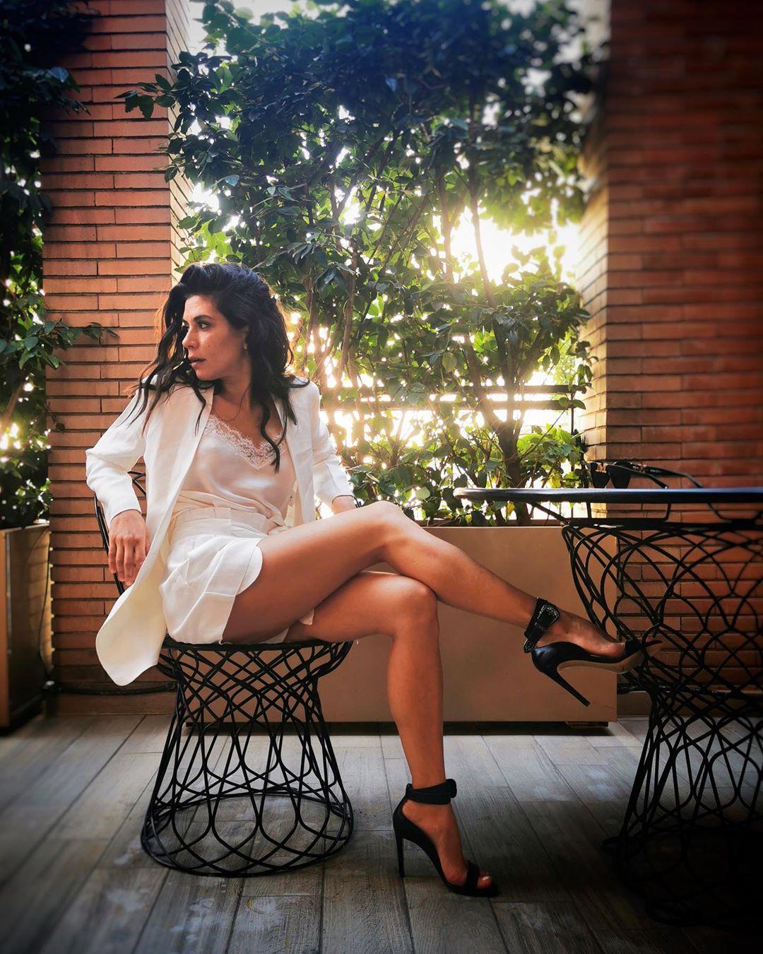 """Giulia Michelini, è attrice protagonista di serie tv rinomate come """"RIS - Delitti imperfetti"""" e """"Squadra antimafia - Palermo oggi""""."""