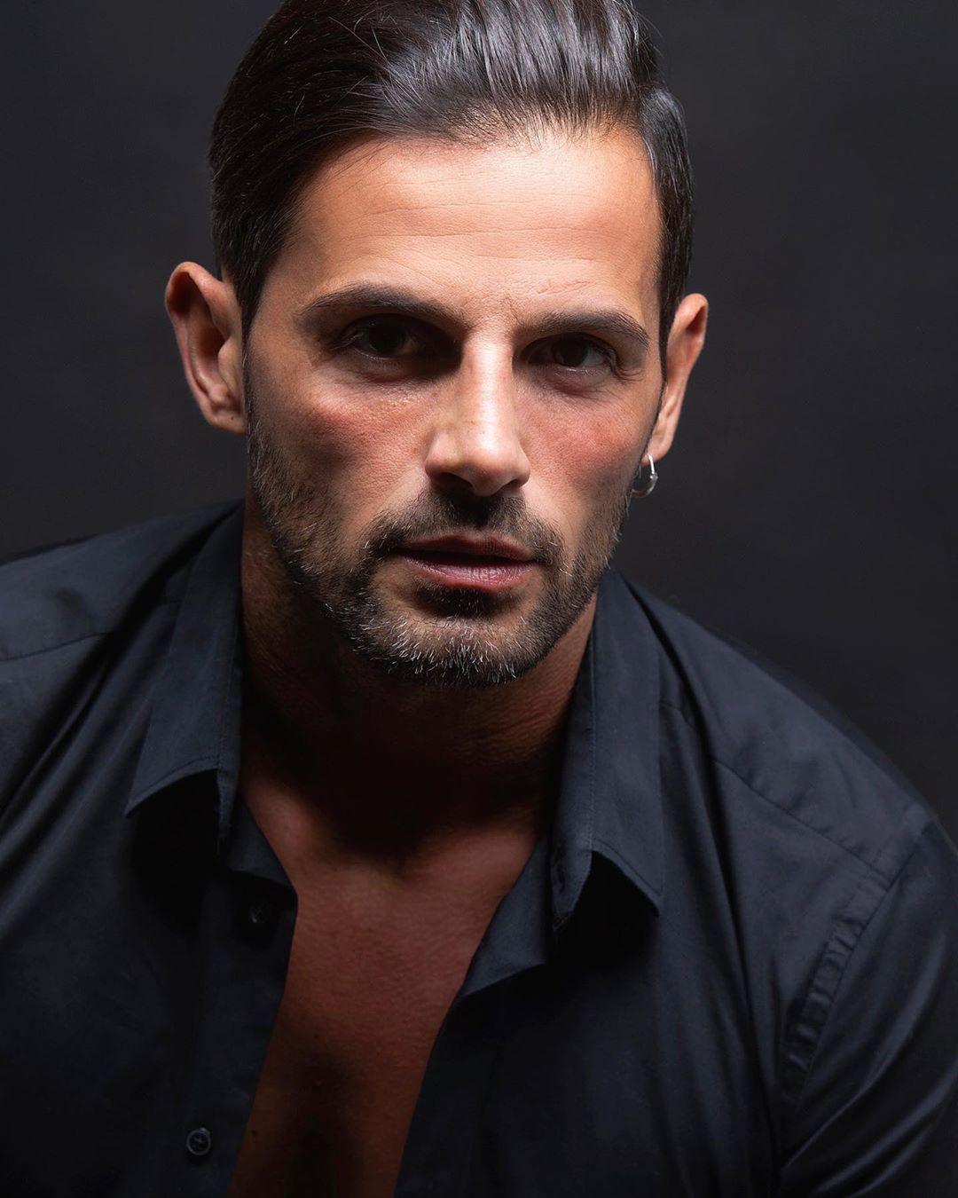 Alessio Lo Passo, lavora come modello e imprenditore, è un noto personaggio televisivo