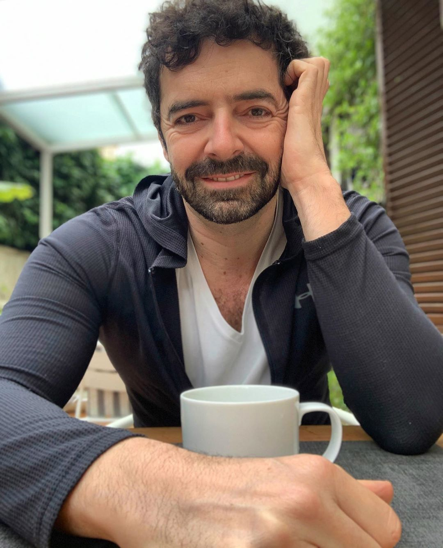 Alberto Matano, conduce e partecipa come opinionista a programmi tv