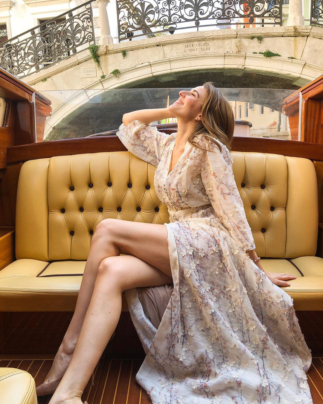 Diana Del Bufalo, che entra ad Amici come cantante ma diventa famosa come attrice e conduttrice TV comica