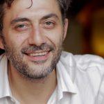 Filippo Timi sorridente