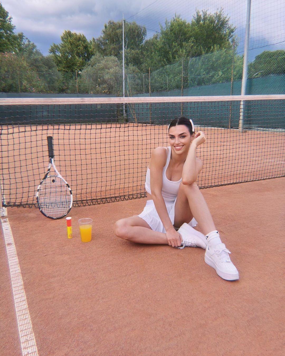 Nicole Mazzocato, dopo Uomini e Donne è arrivato il successo sul web