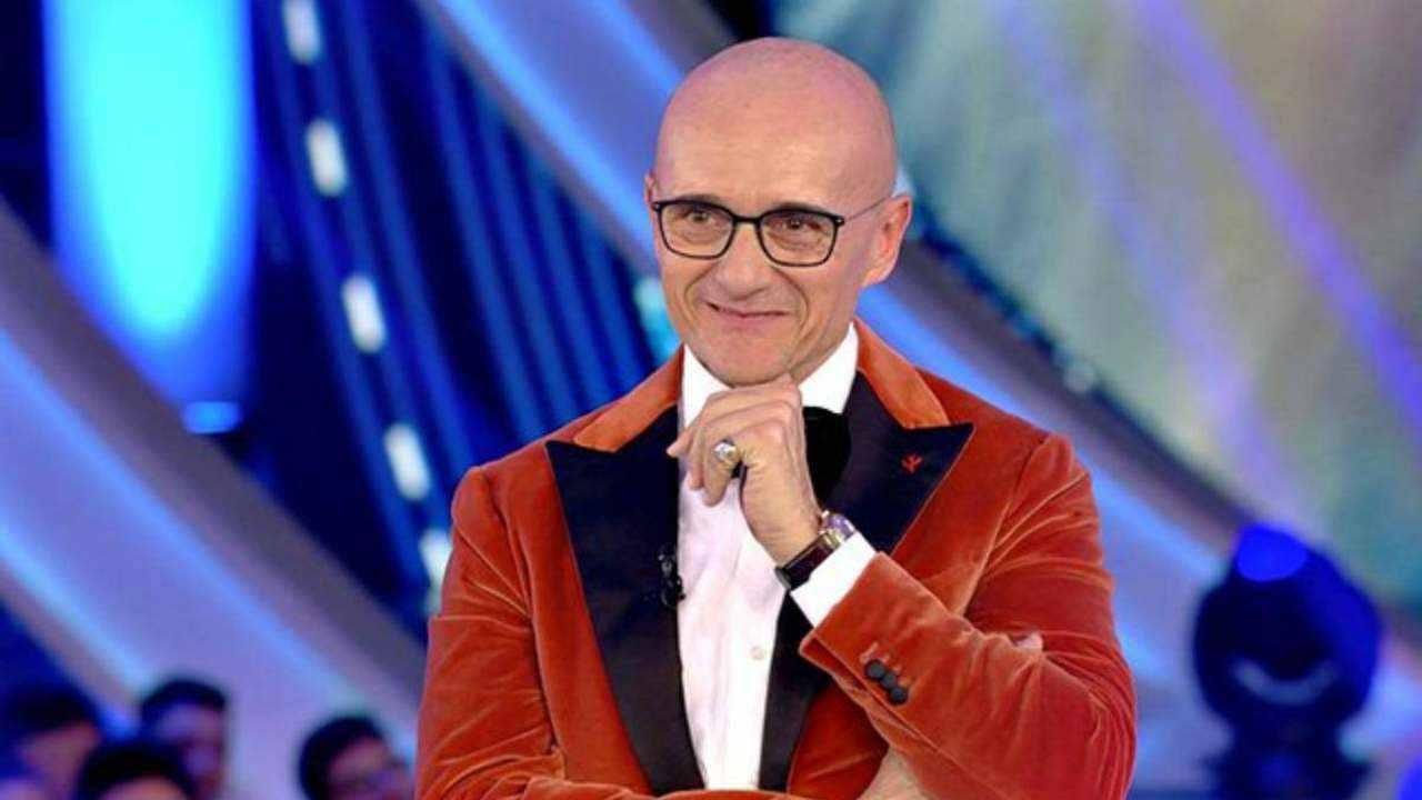 Alfonso Signorini conduce il Grande Fratello Vip