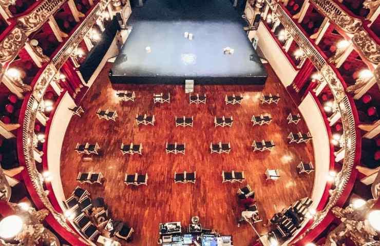 Attrice suicida recitava al teatro Bellini
