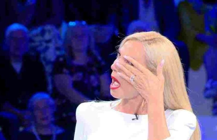 Federica Panicucci piange