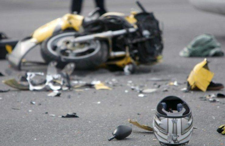 Incidente stradale fatale in moto a Roma