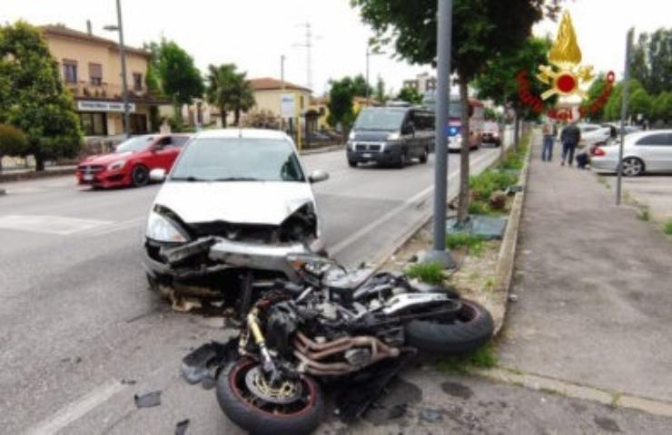 Incidente stradale fatale