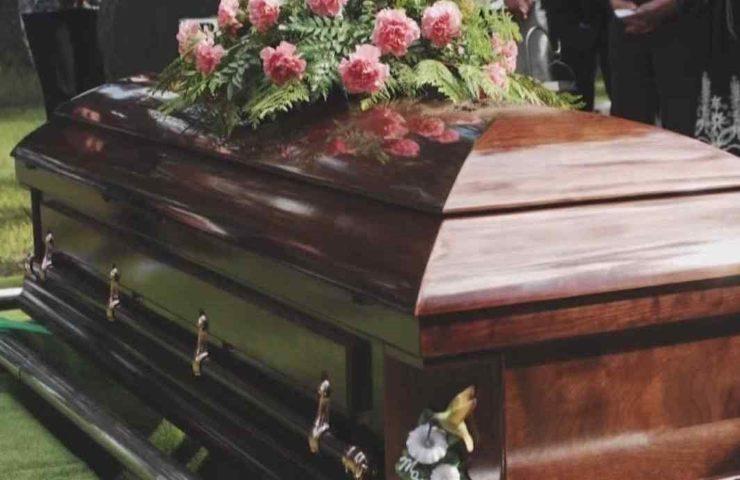 Uomo muore per un male incurabile