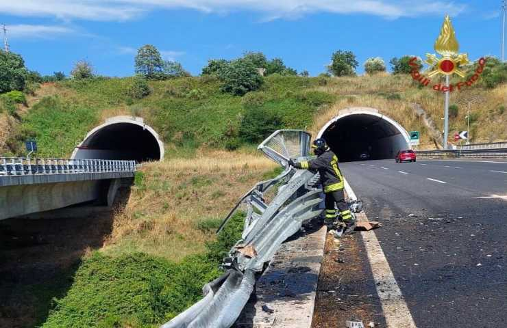 Incidente stradale con due morti