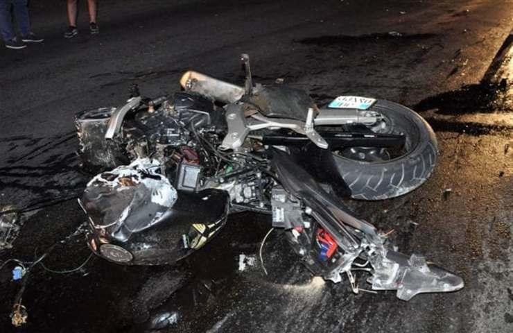 Un figlio morto in incidente in moto