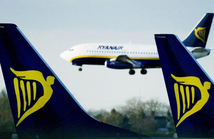 Passeggero muore a bordo di un volo Ryanair