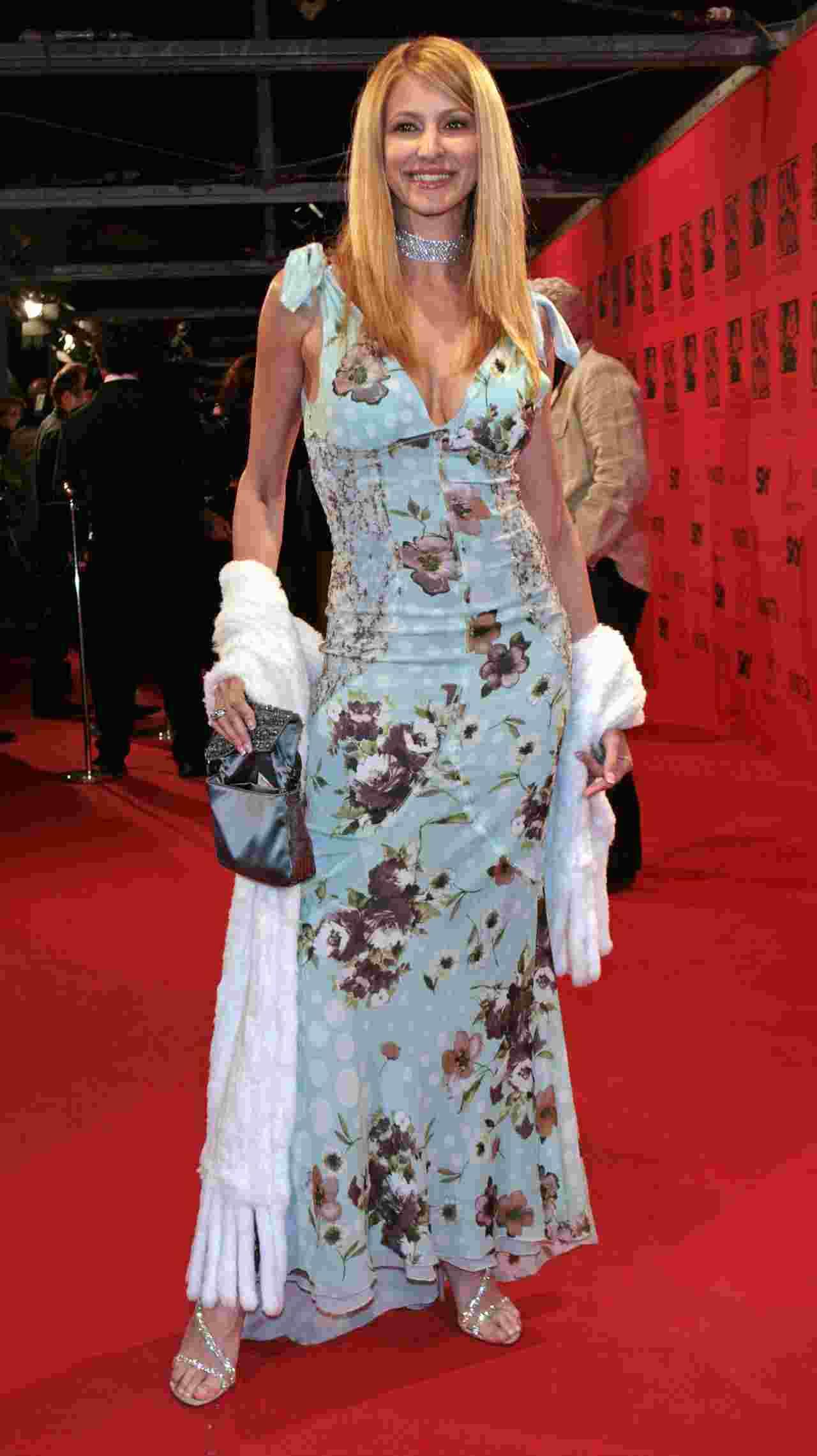 Adriana Volpe abito a fiori brutto