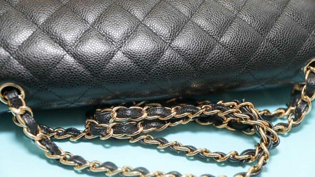 borsetta Chanel nera dettaglio