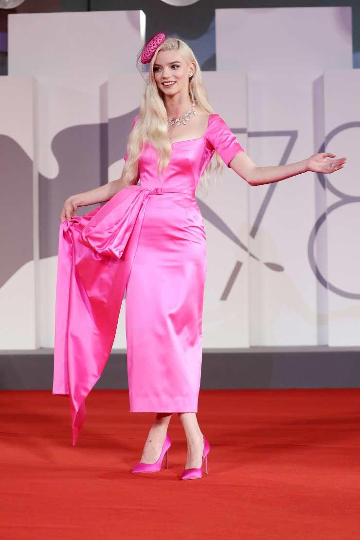 Anya Taylor-Joy abito rosa Venezia