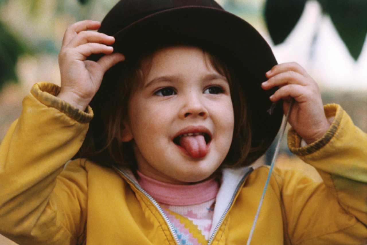 Bambina con cappello