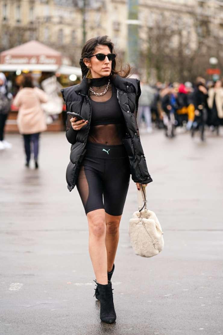 Donna con leggings sportivi