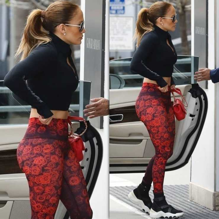 Jennifer Lopez con i leggings look peggiori ciaostyle.it