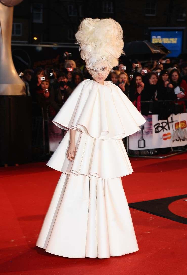 Lady Gaga abito bianco ciaotyle.it (1)