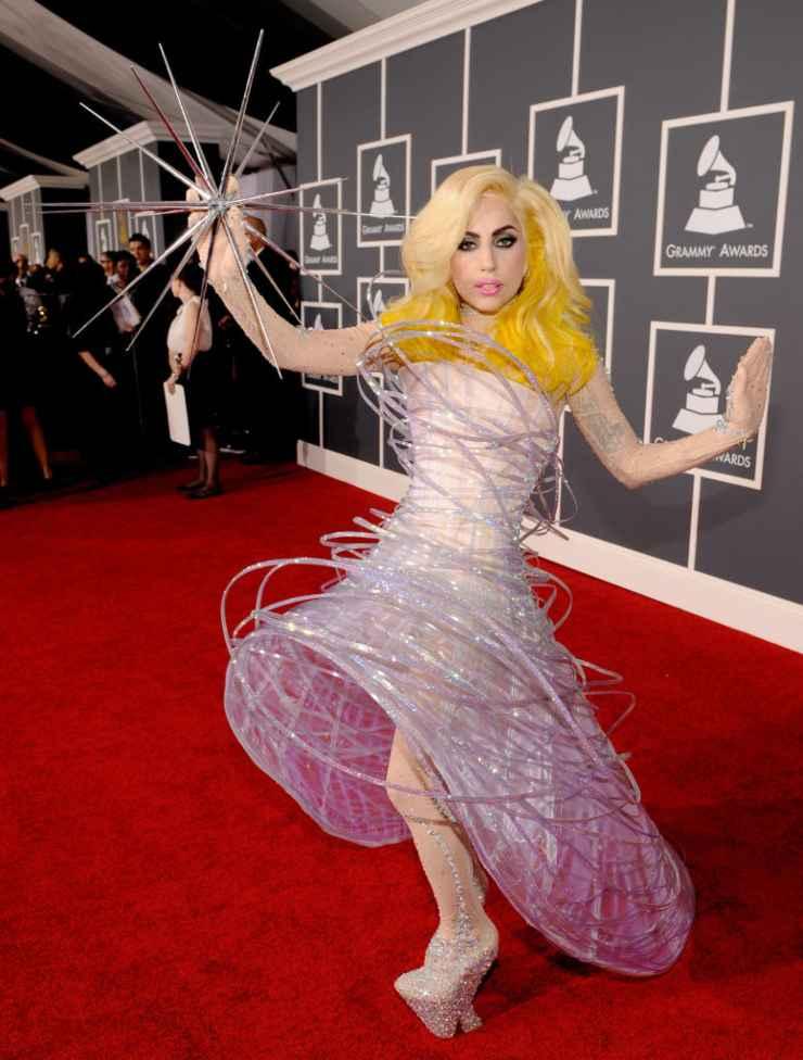 Lady Gaga abito stellare (1)