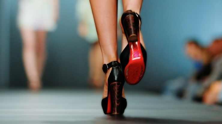 scarpe in passerella