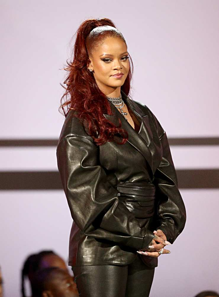 Rihanna blazer nero look peggiore ciaostyle.it