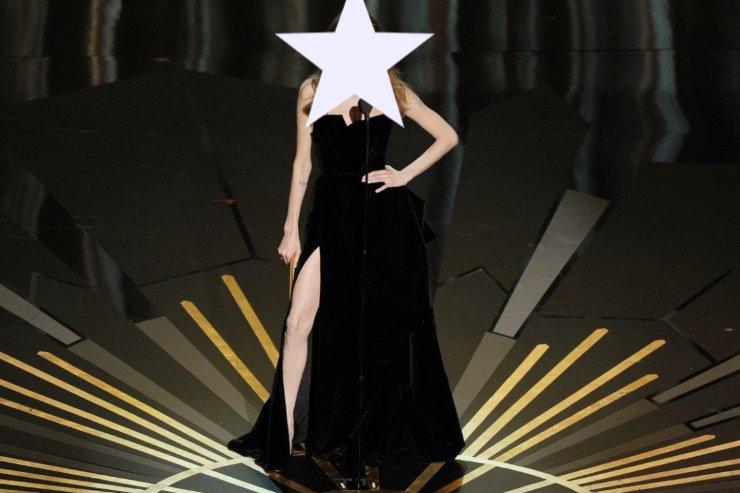 Angelina Jolie spacco