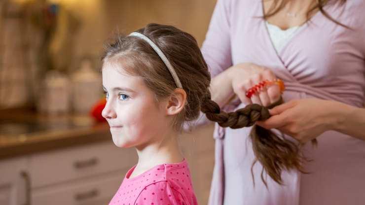 legare capelli bambine