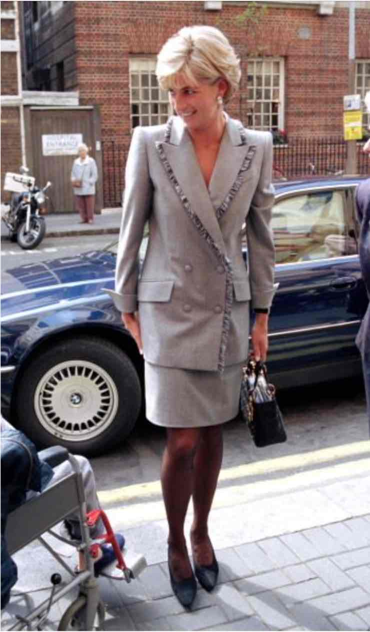 lady Diana tailleur gonna