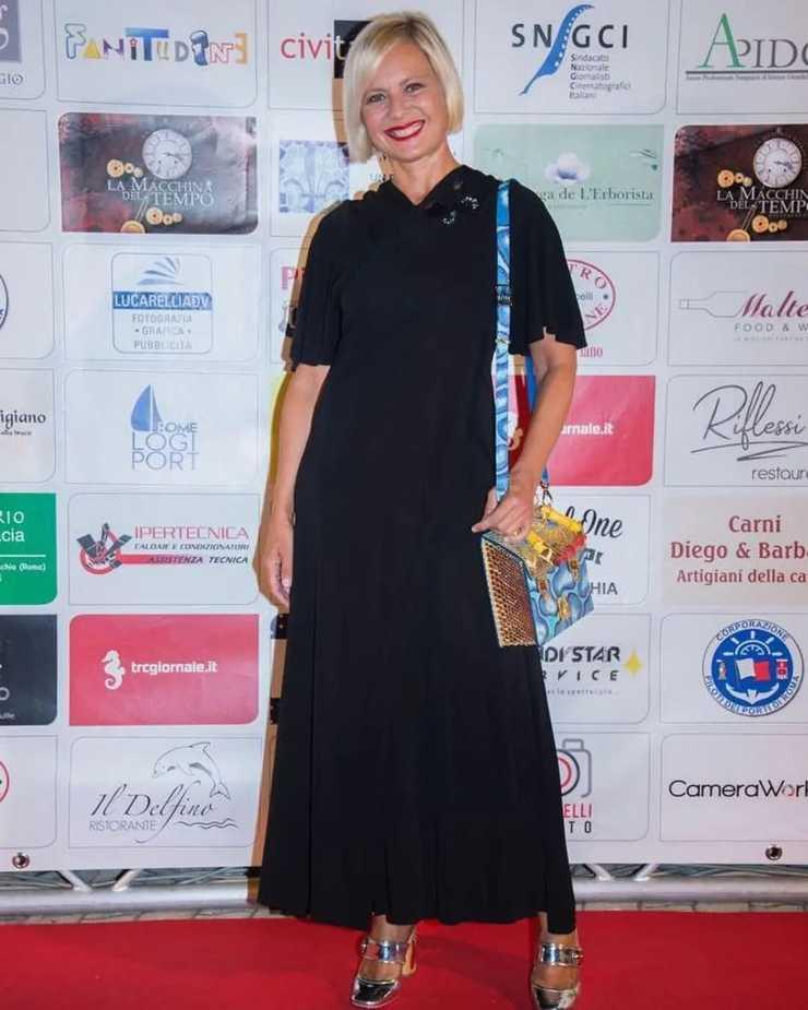 Antonella Elia abito nero flop