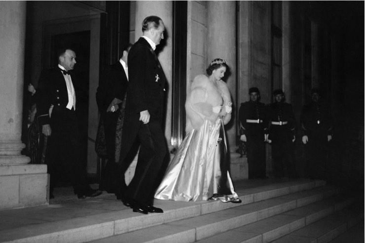 Elisabetta II Eliseo