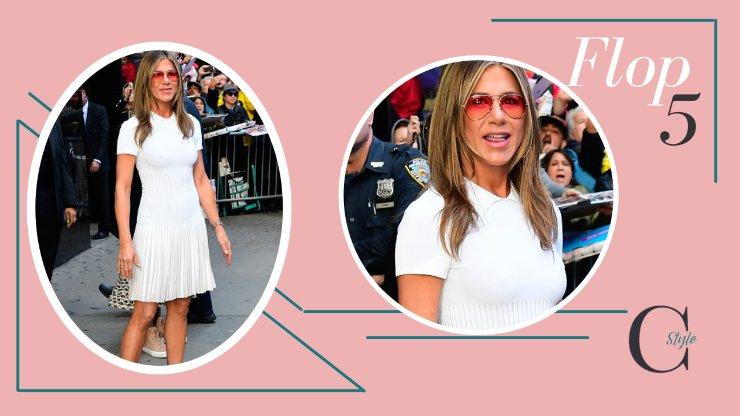 Jennifer Aniston con outfit bianco