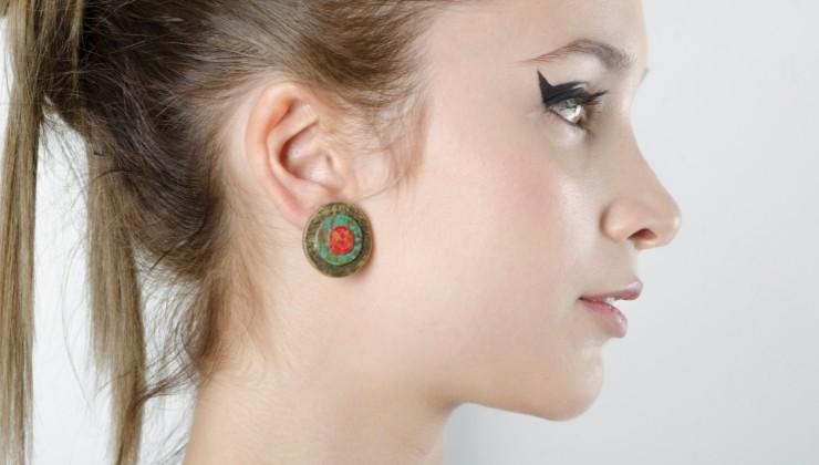 orecchini tondi colorati