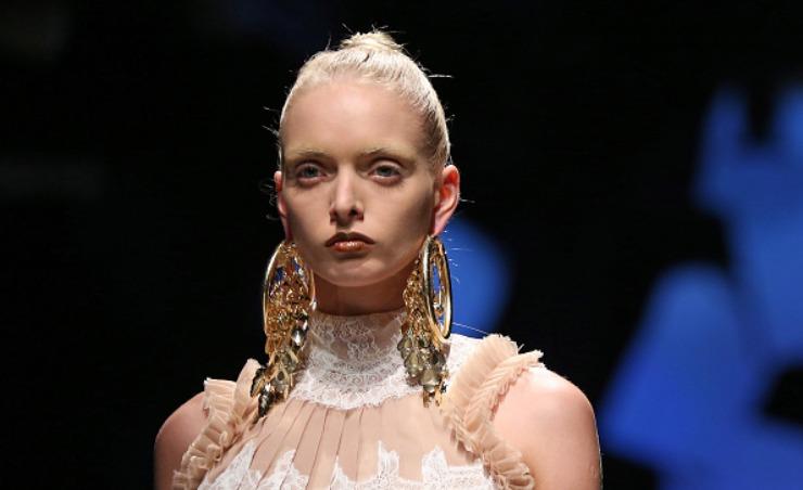 orecchini maxi fashion week